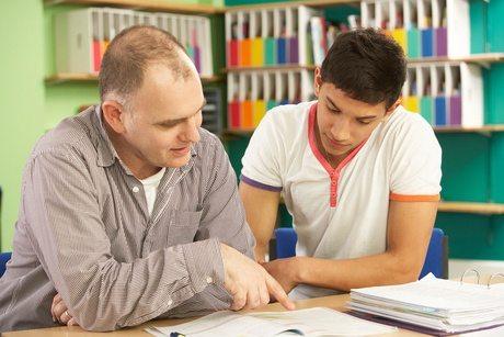 tuteur spécialisé dans l\'aide aux devoirs et le tutorat privé